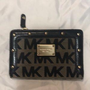 Medium Michael Kors logo wallet
